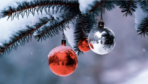 Image Source: http://www.fantom-xp.com/en_35_~_Christmas_magic_laptop_backgrounds.html