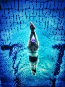 underwater-photography-of-swimmer-711187